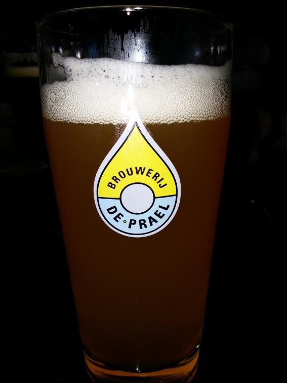 En IPA hos Amsterdam-bryggeriet De Prael. Inte så mycket att hurra för